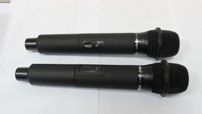 Madboy u-tube 20r - база с двумя беспроводными перезаряжаемыми микрофонами